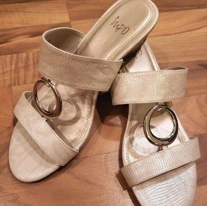 """Impo """"O"""" Ring Beige & Gold Sandal / Slide - 10"""